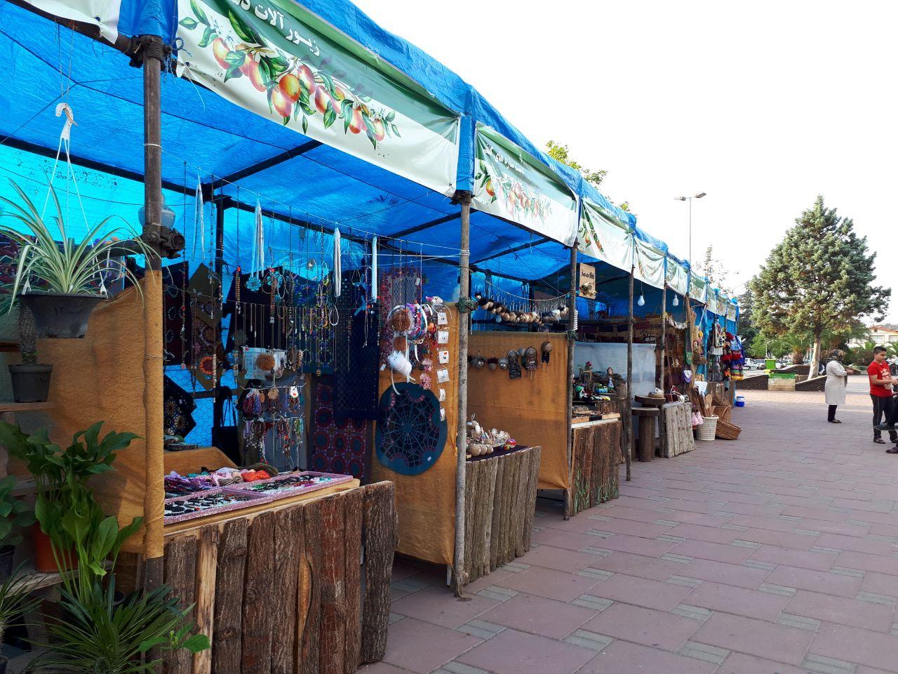 نمایشگاه تابستانه صنایع دستی در شهرستان لنگرود برگزار می گردد