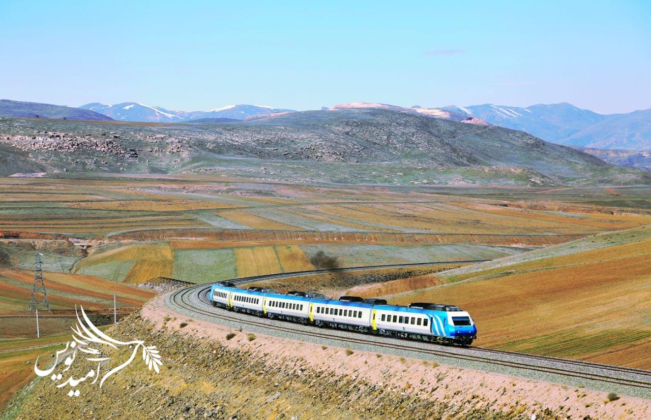 معاون وزیر راه و شهرسازی؛ راه آهن رشت به آستارا ۱۶۳ کیلومتر است | آغاز عملیات اجرایی بزرگراه آستارا- آستارا